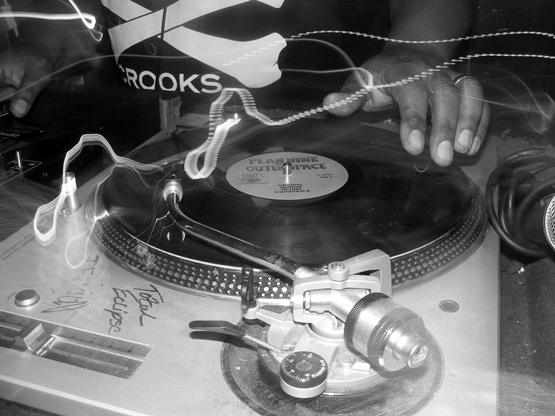 Dj Plan 9 in the mix - photo: CAMERASHEYE(Leimert Park Camera Club)